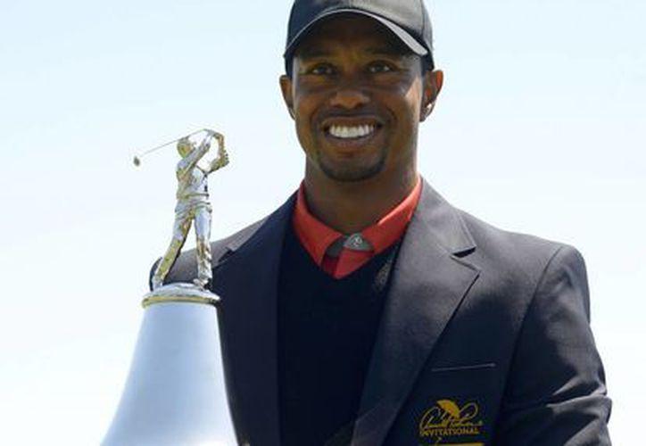 Tiger Woods está de nuevo en la cúspide de la clasificación de la PGA. (EFE/Archivo)