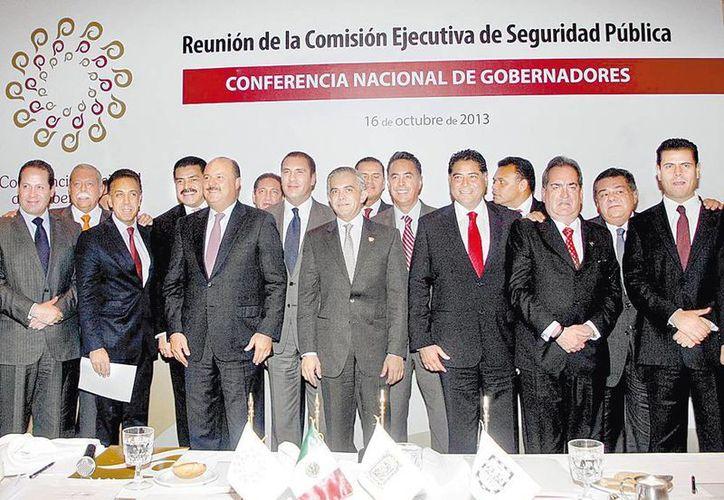 Gobernadores se reunieron con legisladores en la capital de país. (Milenio)