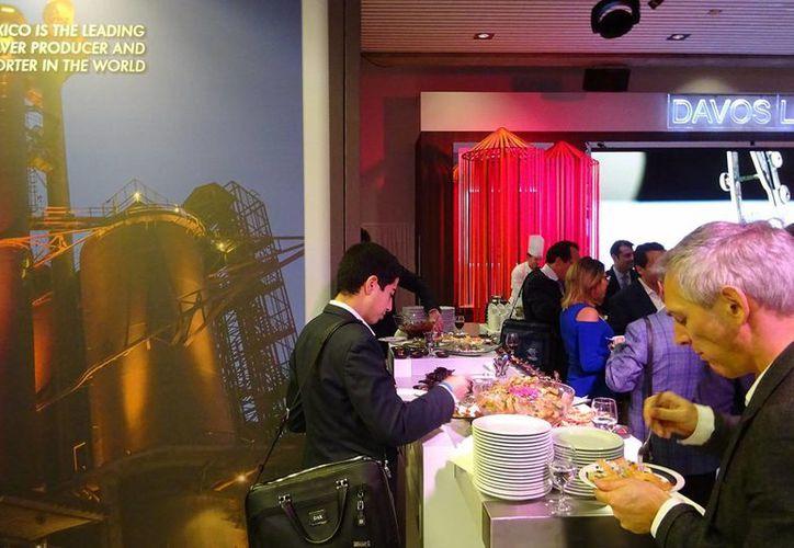 El evento tuvo lugar al mediodía local de la jornada de clausura del foro en la sala central del Centro de Congresos de Davos. (Notimex)