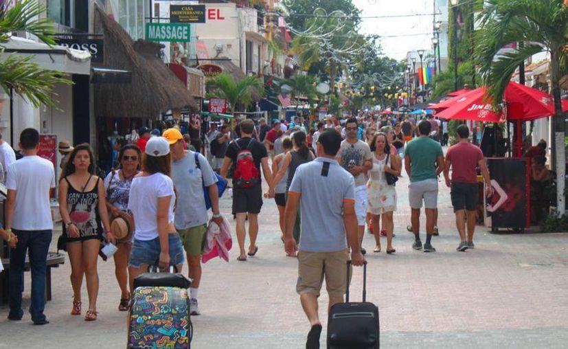El 6% de los habitantes en Playa del Carmen son de origen argentino, según determinó el censo. (Daniel Pacheco/SIPSE)