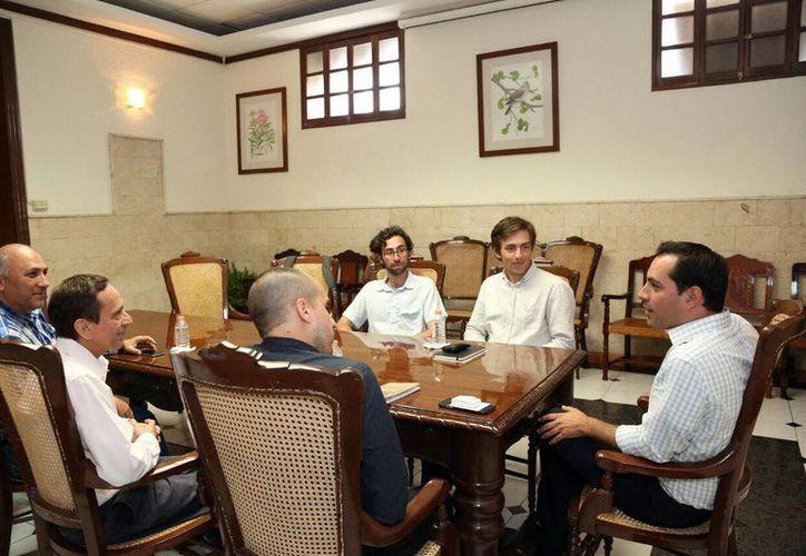 El Alcalde de Mérida recibió a los visitantes de Harvard en el Palacio Municipal. (Milenio Novedades)