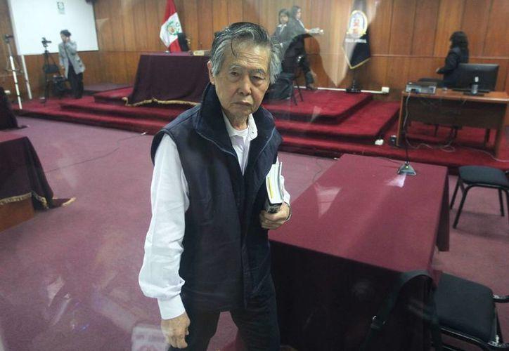 Fujimori, que fue jefe de Estado de Perú por diez años, debería recibir una compensación económica equivalente al ingreso de un legislador en funciones. (EFE)