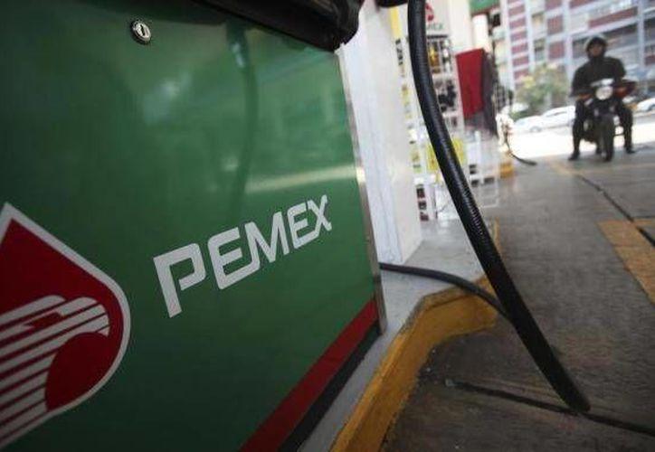 A finales del mes pasado, Hacienda recortó 124 mil millones de pesos al gasto público, de los cuales 62 mil millones fueron a Pemex. (Archivo/Reuters)