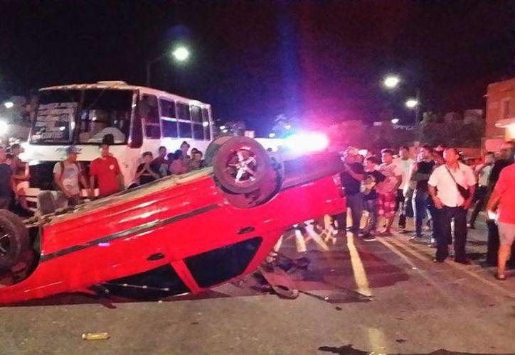 Los testigos lograron detener al conductor, con ayuda de un taxista. (Foto: Redacción)