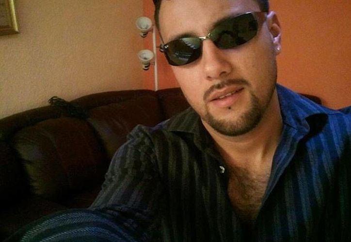 Carlos Pedroza habría amenazado a policías con cesarlos de su cargo. (Facebook)