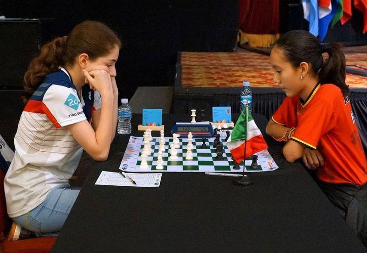 Hiromi Carrillo Aguayo demostró su talento en el 'deporte ciencia', en Costa Rica. (Redacción)