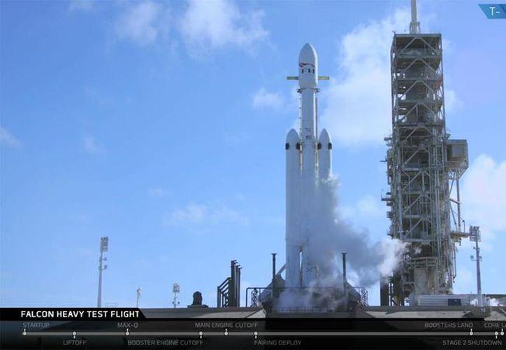 El Falcon Heavy de Space X desde la plataforma de lanzamiento. (Foto: Space-X)