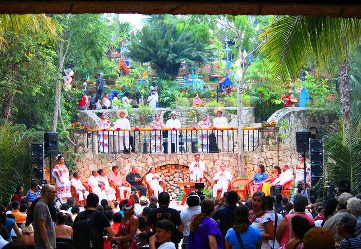 Iniciaron las actividades ante la presencia de autoridades y directivos del parque. (Daniel Pacheco/SIPSE)