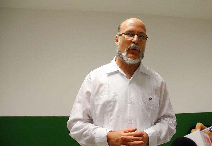 Xavier Moya García, coordinador del programa de Manejo de Riesgos en México, durante la entrevista donde explicó la inversión que realizará el Estado. (Juan Albornoz/SIPSE)