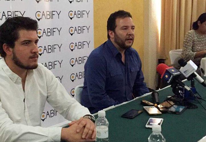 Agustín Jiménez, manager general de Cabify Yucatán y Ricardo Weder, director general de Cabify en América Latina, ofrecieron una conferencia de prensa donde ahondaron acerca de la llegada de del servicio a Mérida. (Milenio Novedades)