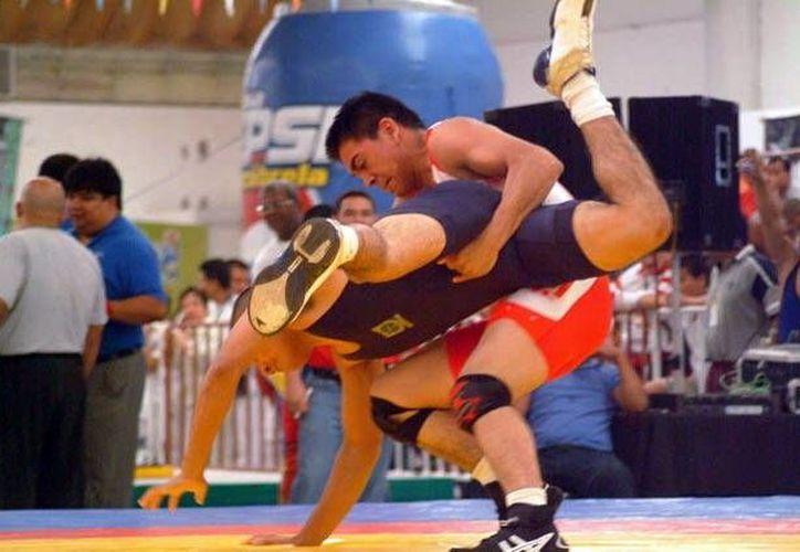 Una de las competencias que se realizará este mes con miras a la Olimpiada Nacional es el selectivo estatal de luchas asociadas. (Milenio Novedades)