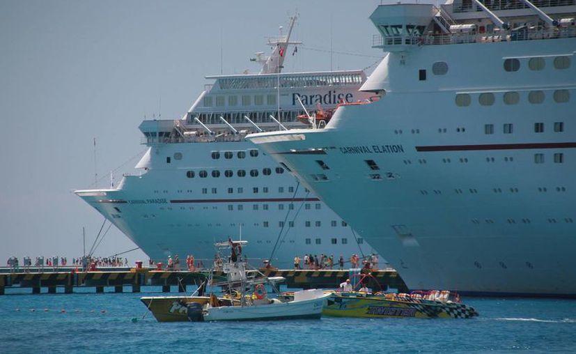 Hoy se registró el arribó de cuatro cruceros, los cuales atracaron en muelles de la zona sur de la isla. (Julian Miranda/SIPSE)