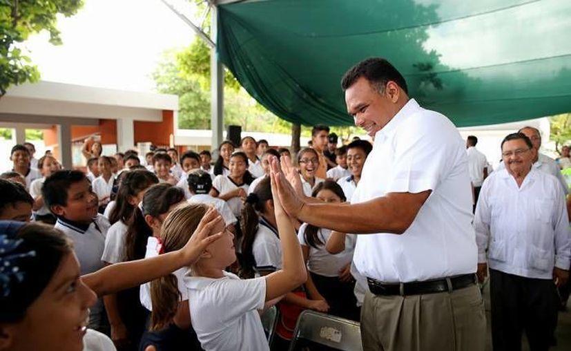 El gobernador Rolando Zapata estará este viernes en la Japay y la Canadevi. (SIPSE)