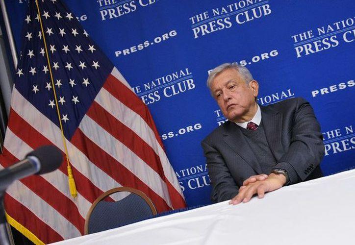 Estados Unidos quiso saber qué tan profundo fue el 'cisma' que provocó la salida de AMLO del PRD. (Internet)