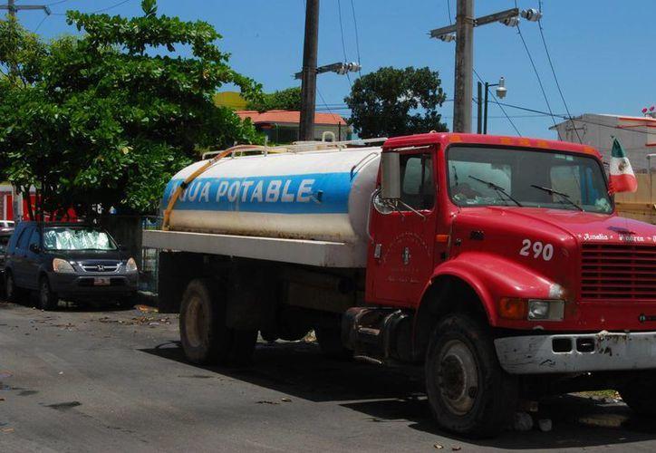 Se calificará que las unidades no se encuentren oxidadas en el interior y que estén debidamente tapadas para que no se contamine el agua. (Tomás Álvarez/SIPSE)