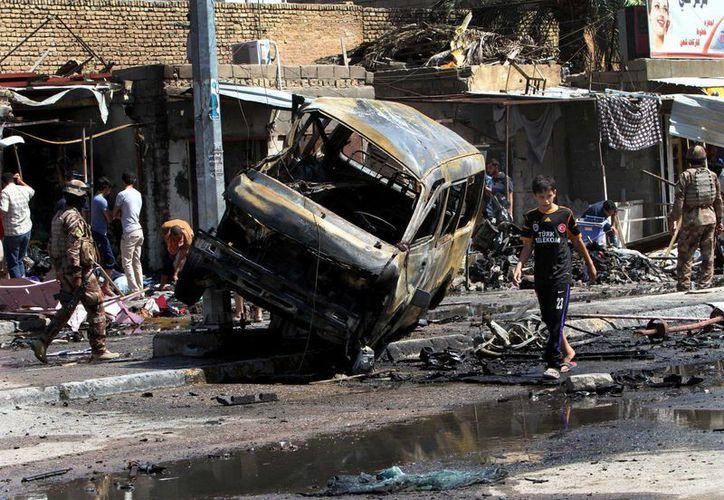Zona de un atentado registrado en Basra, al sureste de la capital iraquí de Bagdad. (Agencias)