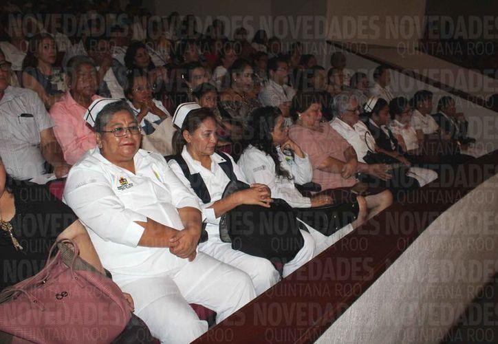 Este año dieron plazas a enfermeras, médicos generales y especialistas. (Daniel Tejada/SIPSE)