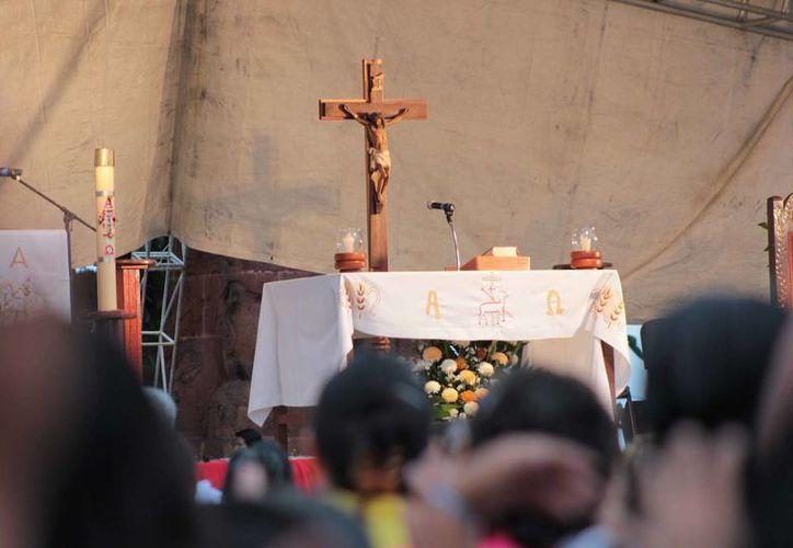 En la isla hay un gran número de creyentes católicos. (Gustavo Villegas/SIPSE)