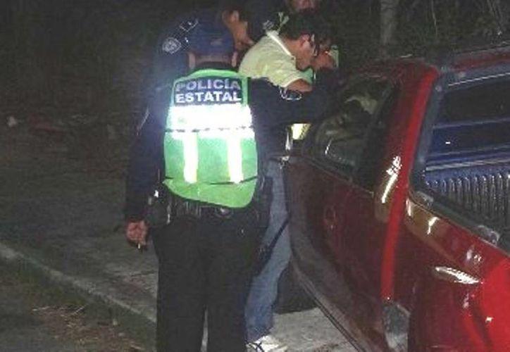 El policía acudió a comprar pan en compañía de su esposa cuando los ladrones se llevaron el arma. (Redacción/SIPSE)