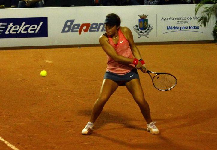 Alejandra Cisneros se consagró campeona de la Copa Yucatán de tenis. (Foto: Archivo/SIPSE)