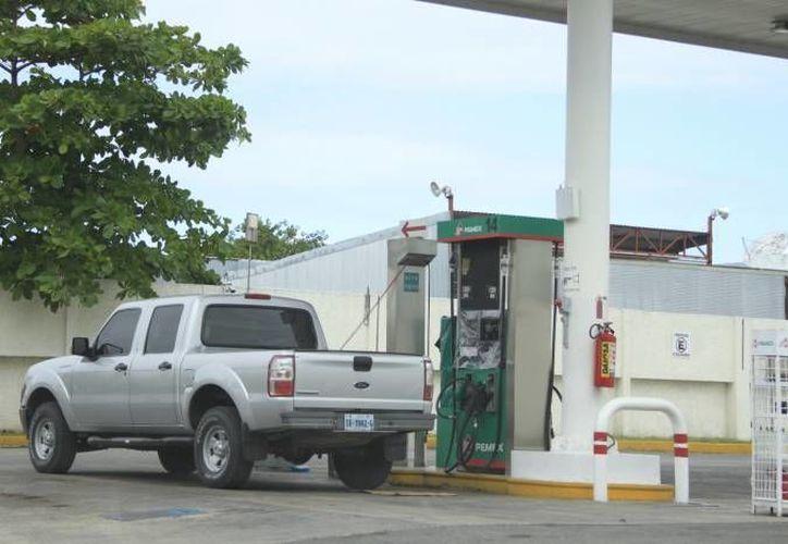 Se estudiarán los factores que influyen para la homologación del precio de la gasolina en la zona fronteriza. (Redacción/SIPSE)