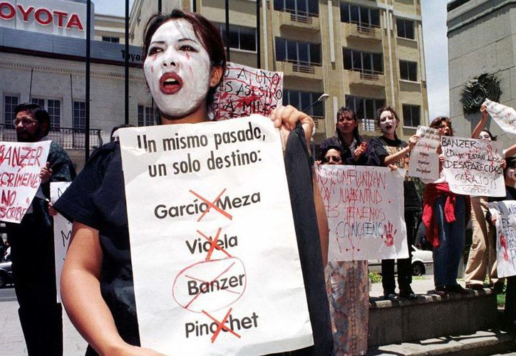 Un tribunal federal de Argentina dictó sentencia en el histórico juicio contra el dictador Reynaldo Bignone y otros 16 exmilitares. (notimerica.com)