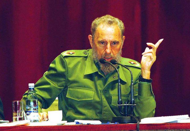 La vida de Fidel Castro siempre estuvo rodeada de polémicas y mitos que dieron paso a libros que retoman desde sus discursos políticos hasta elementos básicos para conocer quién fue el líder de la Revolución Cubana. (Notimex)