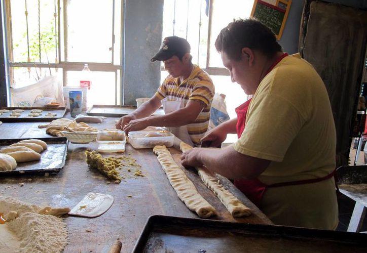El sector está actualmente en crisis, de cinco panaderos, dos son informales. (SIPSE)