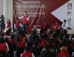 'Se irán los que se tengan que ir' en reestructura del PRI