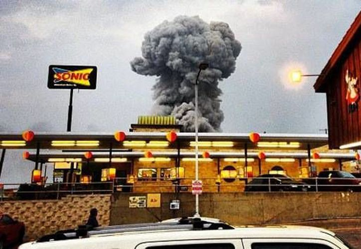 Algunos testigos aseguran haber visto una bula de fuego de 100 metros de altura. (Foto: andybartee/Instagram)