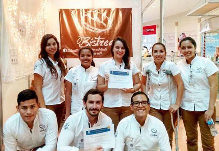 Ganadores de la XXVII Feria de Negocios de Emprendedores Universitarios. (Cecilia Ricárdez/SIPSE)