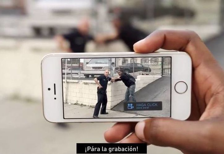 Los videos registrados con 'Mobile Justice CA' se conservarán aunque el usuario pierda su equipo o le sea decomisado. (Captura de pantalla/YouTube)