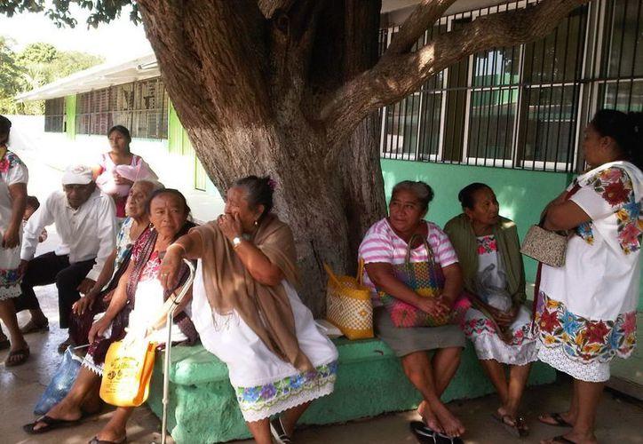 El IVEY indicó que impulsaría al menos unas 600 acciones de vivienda y mejorar la situación en que viven ese mismo número de familias. (SIPSE)
