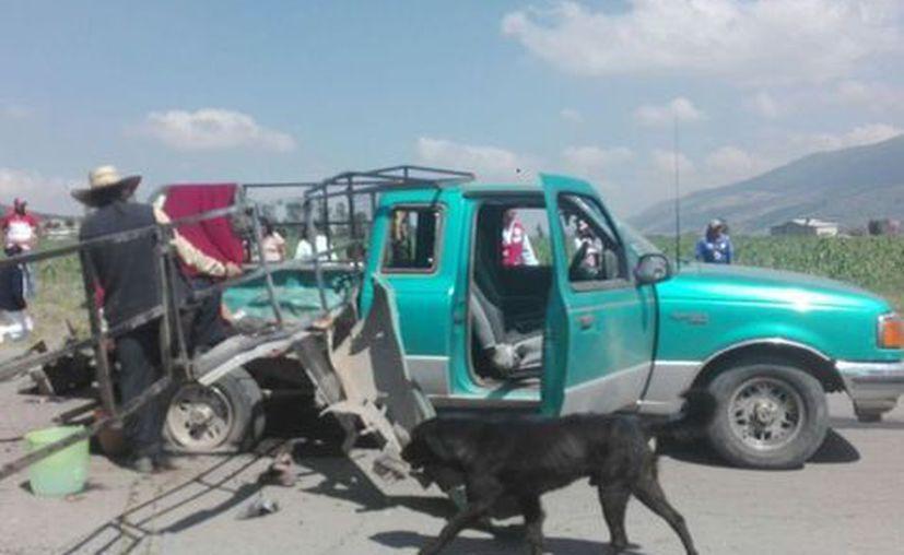 Una camioneta Ford de 3.5 toneladas transportaba la pirotecnia. (Milenio)