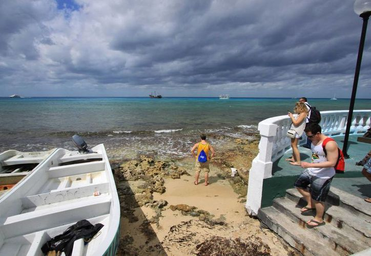 Se pronostica que los vientos bajarán de intensidad durante este fin de semana en Cozumel. (Gustavo Villegas/SIPSE)