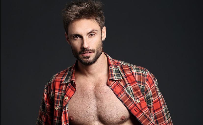 El actor y músico Alex Brizuela perteneció a la banda musical Varana y actualmente pertenece al grupo María Julia. (Last)