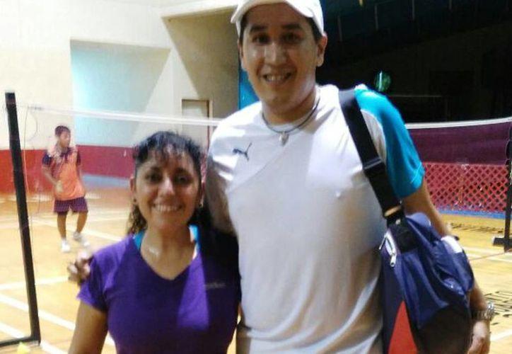 La pareja conformada por Diana Rojas y Eduardo López que participa en el campeonato. (Raúl Caballero/SIPSE)
