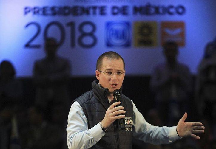 El candidato presidencial Ricardo Anaya Cortés, lanzó un 'guiño' a Margarita Zavala. (Internet)