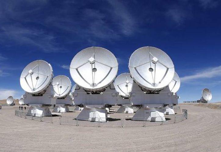 Vista general del conjunto de antenas radiotelescópicas del Atacama Large Milimeter Array (ALMA), en la Cordillera de los Andes. (EFE)