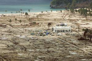 Décimo aniversario del devastador Tsunami en Indonesia