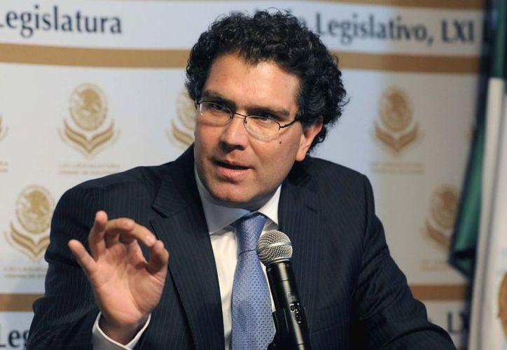 El senador perredista Armando Ríos Píter. (vertigopolitico.com)