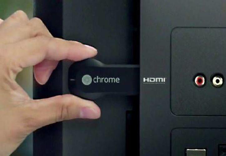 El Chromecast es un dispositivo con entrada HDMI que funciona con varios programas. (Francisco Gálvez/SIPSE)