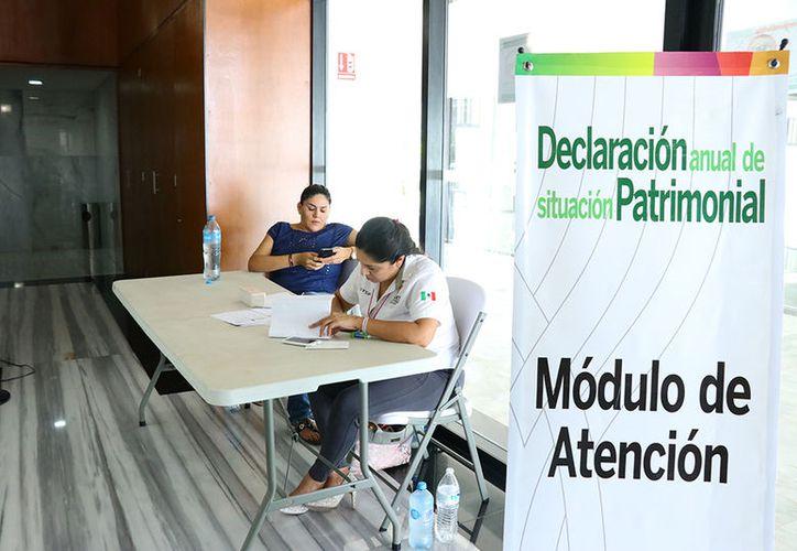 El contralor Miguel Fernández manifestó que del 1 al 31 de mayo los funcionarios tuvieron la oportunidad de acudir a las oficinas de la dependencia para recibir apoyo. (Jorge Acosta/Milenio Novedades)