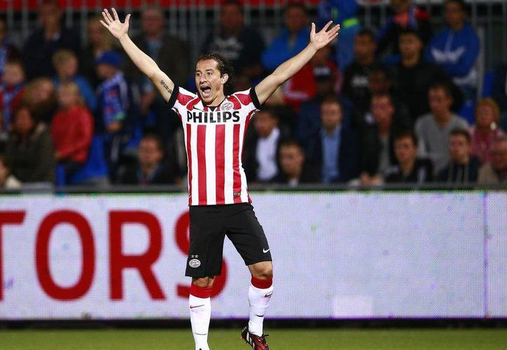 El seleccionado mexicano Andrés Guardado volvió a marcar diferencia en la Liga de Holanda al dar el pase para gol que abrió el camino del triunfo del PSV sobre Excelsior. (livefutbol.com)
