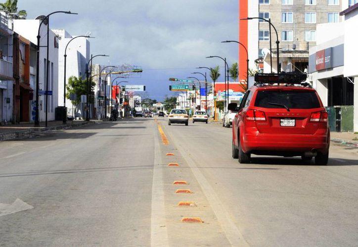 Después de la despedida del año viejo, la desolación se apoderó por unas horas de la zona centro de Chetumal. (Harold Alcocer/SIPSE)