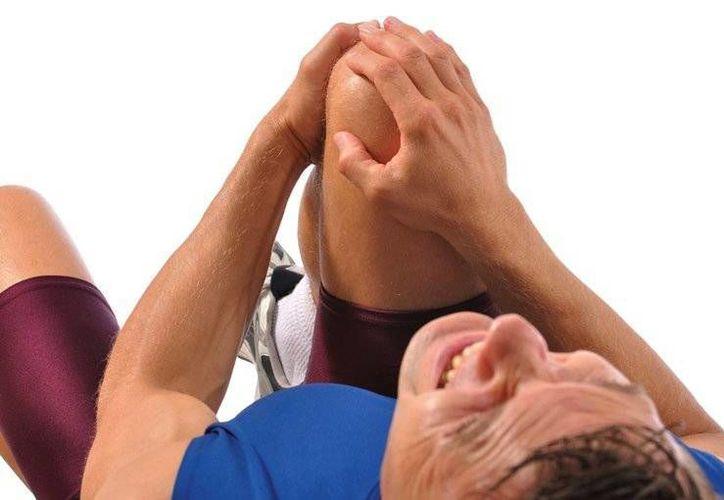 Las lesiones deportivas son un mal que se puede evitar por medio de buenos hábitos. (Imagen tomada de okdiario.com)