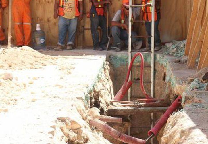 La primera fase de las obras que realiza Aguakan deberá concluir el 2 de noviembre próximo. (Adrián Barreto/SIPSE)