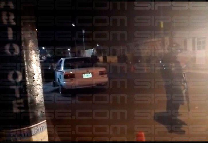 La policía acudió al reporte en la colonia Centro. (Redacción/SIPSE)