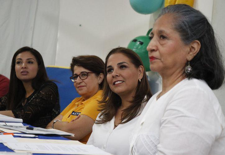 Mara Lezama se reunió con la Asociación de Ayuda a Niños Con Trastornos en el Desarrollo (Astra) A.C. (Redacción/SIPSE)