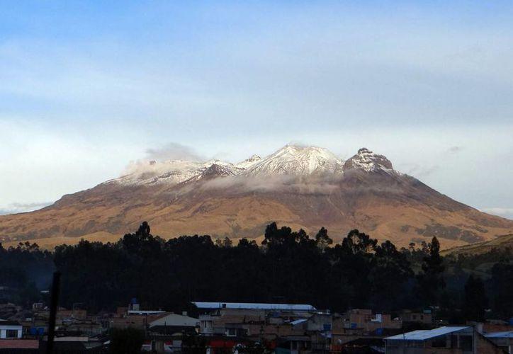 El profesor de Geofísica Jhon Jairo Sánchez señaló que la abundancia de Volcanes en Colombia se debe a que en su territorio se encuentran tres cordilleras, de las cuales dos tienen volcanes activos. (Notimex)
